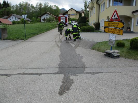 Ölspur auf Gemeindestraße am 10.05.2019