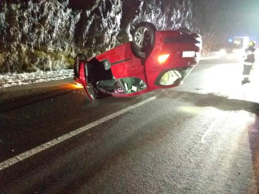 Nächtlicher Verkehrsunfall am 03.01.2021